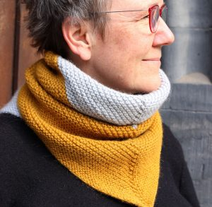 Chirrup – a soothingly simple cowl